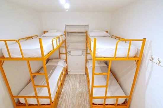 SoBe Hostel: 4 Bed Dorm