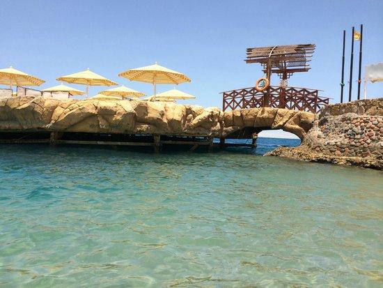 SUNRISE Holidays Resort : Strandübergang zur Insel