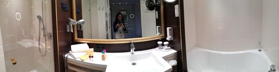 Hotel Schlosskrone : Bathroom