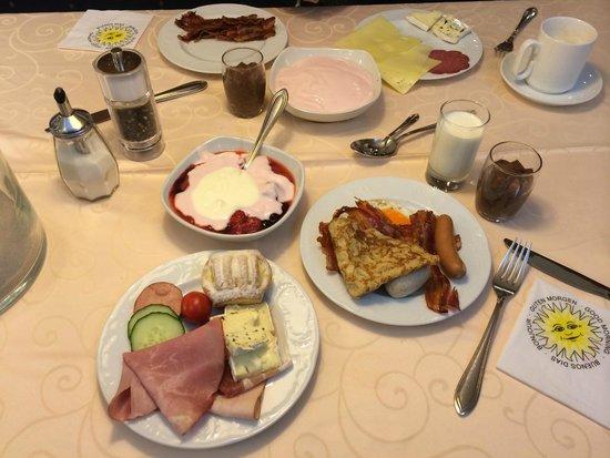 Hotel Schlosskrone : Breakfast
