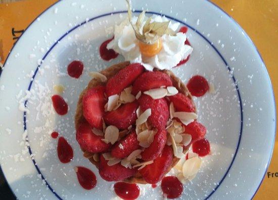 Le 12 Restaurant : Tartelette au fraise presque fraiche !