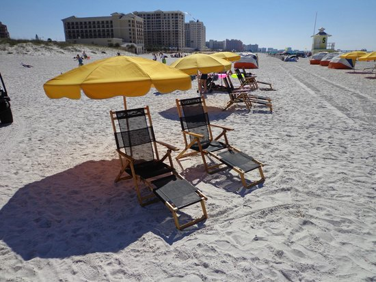 Palm Pavilion Inn: Chair and Umbrella set up on Beach for rent