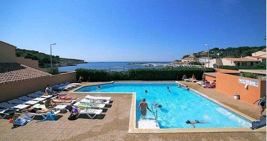 La Couronne, France: piscine/vue sur mer