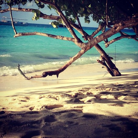 Kuramathi Island Resort: Beach