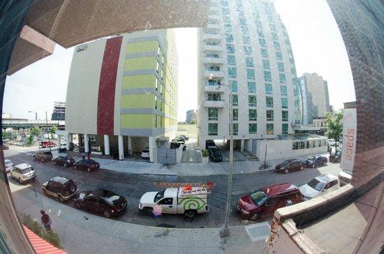 Hotel Vetiver: Chambre au premier étage donnant sur la 39th avenue