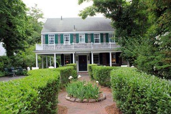 The Barnacle Inn : Front of the Inn