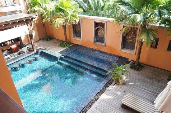 Mercure Samui Chaweng Tana Hotel : Pool Bar