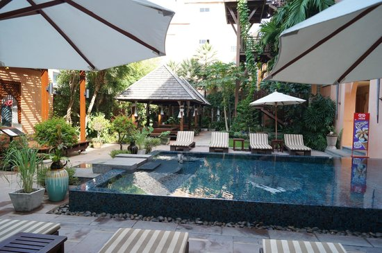 Mercure Samui Chaweng Tana Hotel : Pool Area