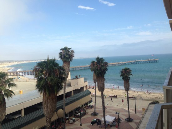 Crowne Plaza Ventura Beach: View from our balcony
