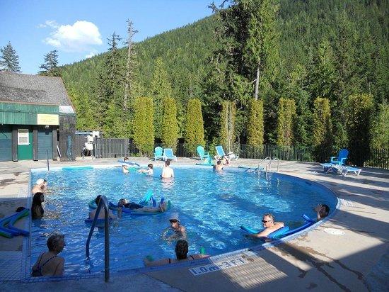 Nakusp Hot Springs: Nakusp hotsprings large pool