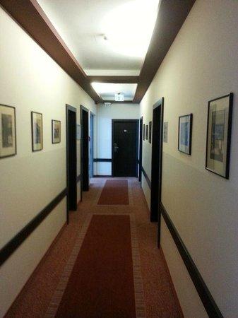 Ivbergs Hotel Berlin Messe: Corridor