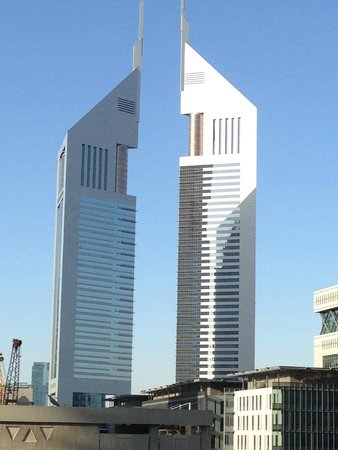 Jumeirah Emirates Towers: hotel from outside