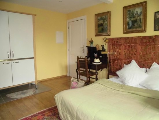 Hotel Les Bluets: chambre 7