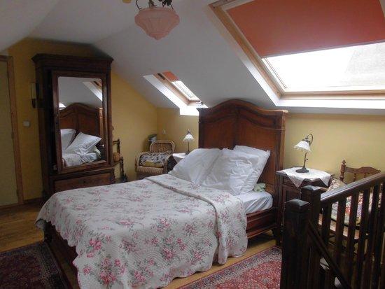 Hotel Les Bluets: étage de lachambre 7