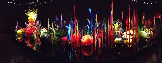 Chihuly Garden and Glass : glass exhibit