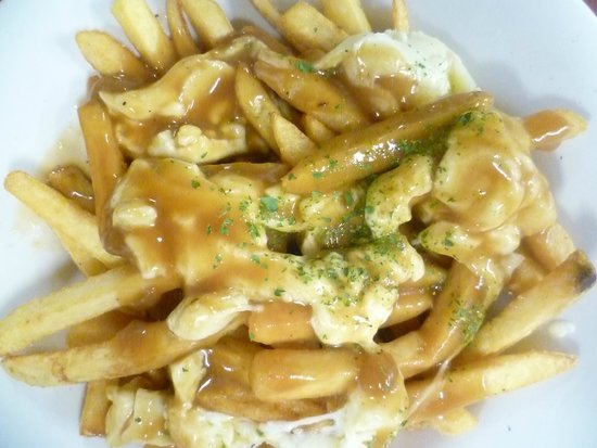 The Hungry Chef : Real Montreal Style Poutine