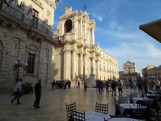 Grand Hotel Minareto : Square in Ortegia