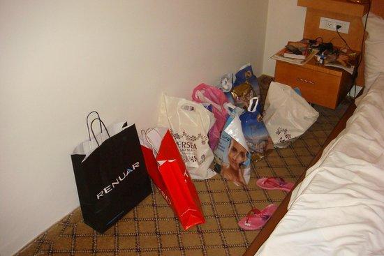 Leonardo Privilege Hotel Eilat : Наши покупки местной косметики)))
