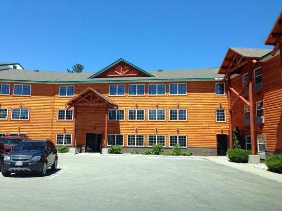 Bridge Vista Beach Hotel & Convention Center : Outside of hotel