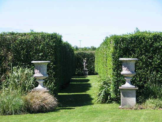Ednovean Farm: The Italian Gardens