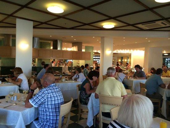 Nana Beach Hotel : Athina Buffet Restaurant