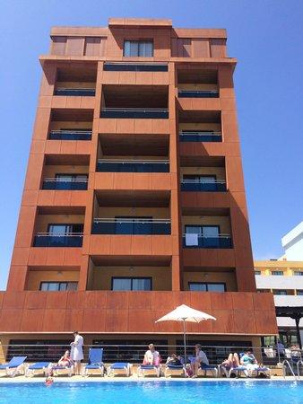 Be Live Experience La Nina: Hotel block
