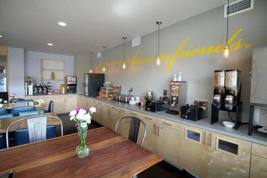 River Inn at Seaside breakfast room- complimentary breakfast daily
