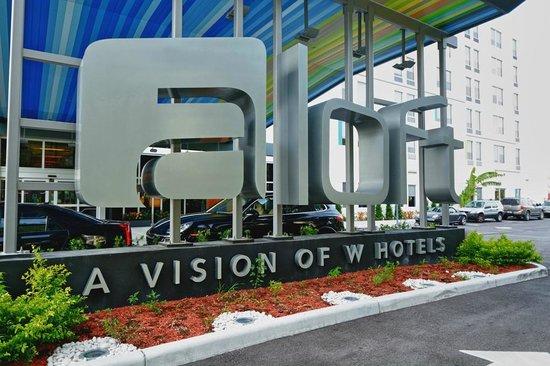 Aloft Miami Doral : Hotel Exterior