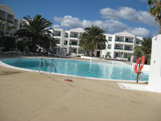 Blue Sea Costa Teguise Beach: main pool