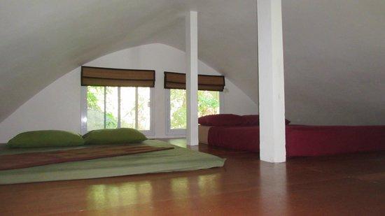 Monkey Flower Villas: Loft area