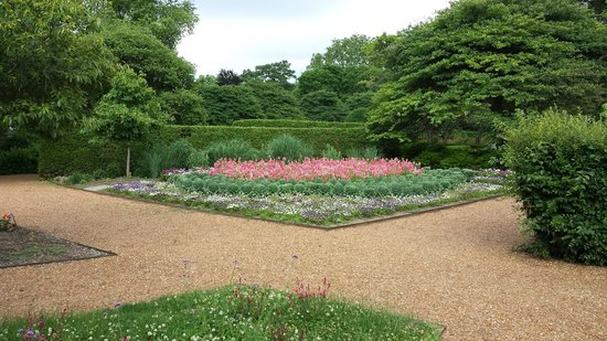 Cantigny Park : A small example of the meticulous gardens