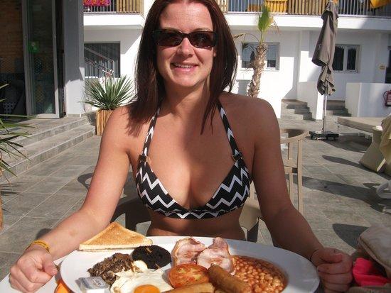 Ryans Ibiza Apartments: epic ryans irish breakfast