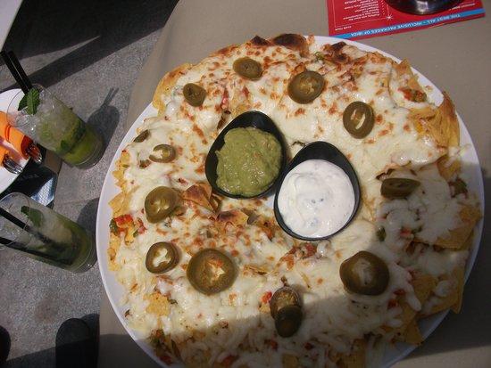 Ryans Ibiza Apartments: nachos!