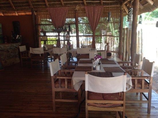 2 Friends Guest House: restaurant