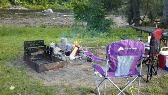 Herkimer KOA Campground : Cozy around the fire