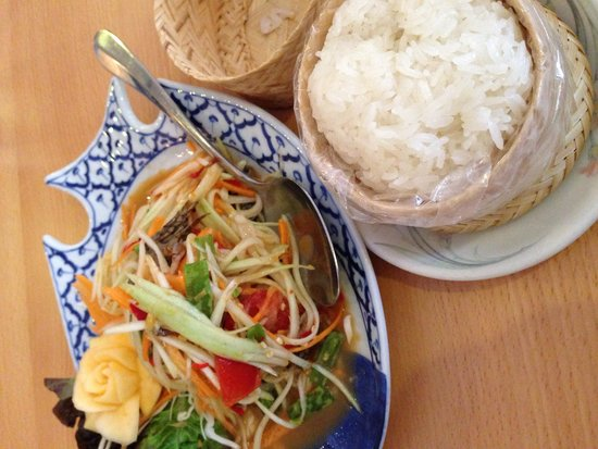 Boonnak Thai: Thai papaya salad and sticky rice