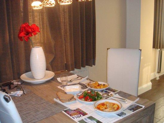 Ons Epen Appartementen-Hotel: Dinner in the room