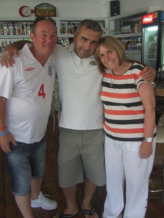 Flora Palm Resort: Charlie with Jan and Ron Turner