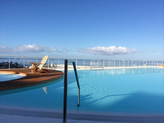 Marina Bayview: Pool in the morning