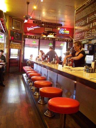 Nini's Coffee Shop: Counter seating