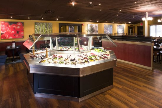 Charlie Brown's Steakhouse: Unlimited Farmer's Market Salad Bar
