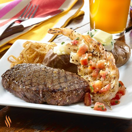 Charlie Brown's Steakhouse: Surf & Turf