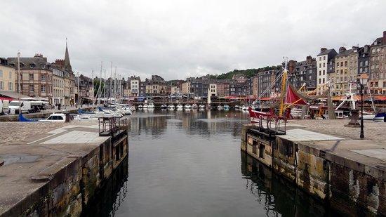 Le Vieux Bassin : Honfleur Harbour