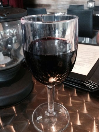 Nordik Spa-Nature: Mmmm...wine!