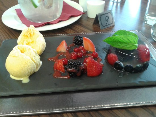 Engine Shed: Such a good looking dessert