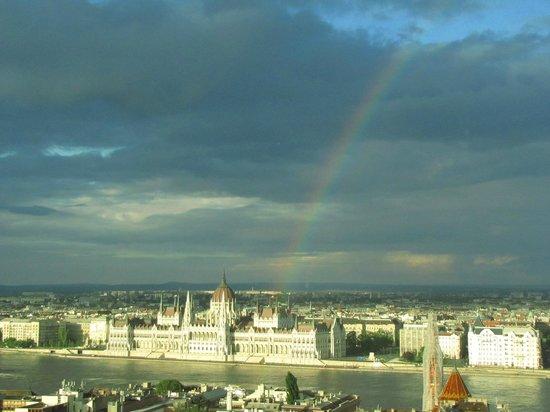 Parlement : con arcobalen