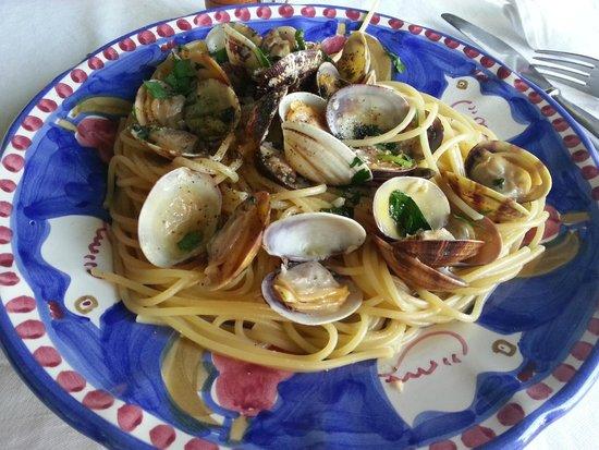 Al Barilotto Del Nonno : Spaghetti alle vongole verace