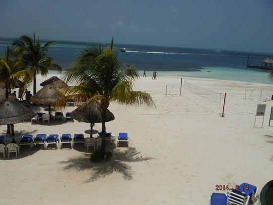 The Royal Cancun All Suites Resort: The view from 1521