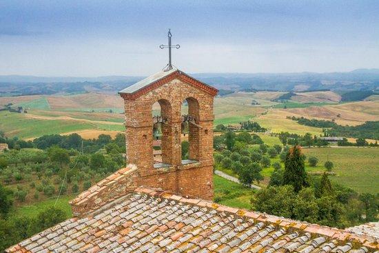 Walking in Etruria : Tuscany