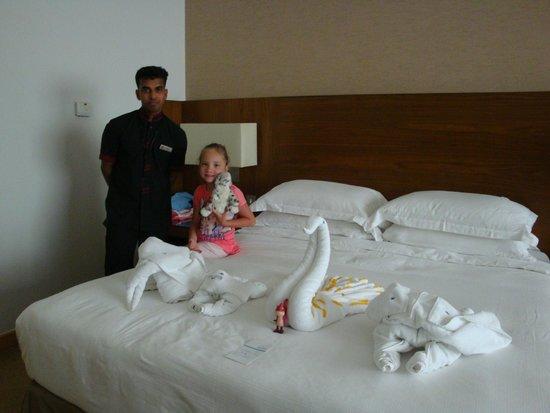 Jumeira Rotana: hotel room